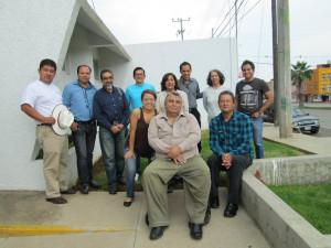periodistas y comunicadores en el taller sobre teorias de la comunicación.