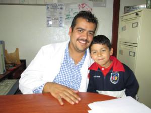 Director del Doctor Hector Monroy, Centro de Salud de Capilla de Guadalupe